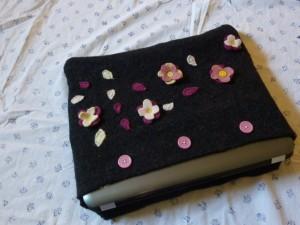 Falling flowers laptop cozie